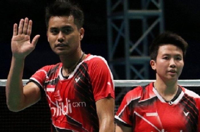 Pasangan ganda campuran Indonesia, Tontowi Ahmad/Liliyana Natsir, lolos ke babak kedua Malaysia Terbuka setelah mengalahkan pasangan asal China, Chen Qingchen/Wang Yilju, 21-18, 21-14 di Malawati Stadium, Rabu (6/4/2016).