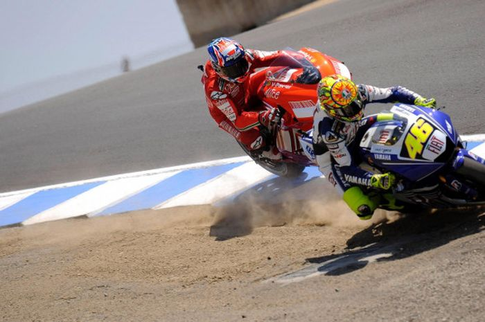 Duel Bersejarah Lawan Valentino Rossi Mampu Ubah Hidup Casey Stoner -  Bolasport.com