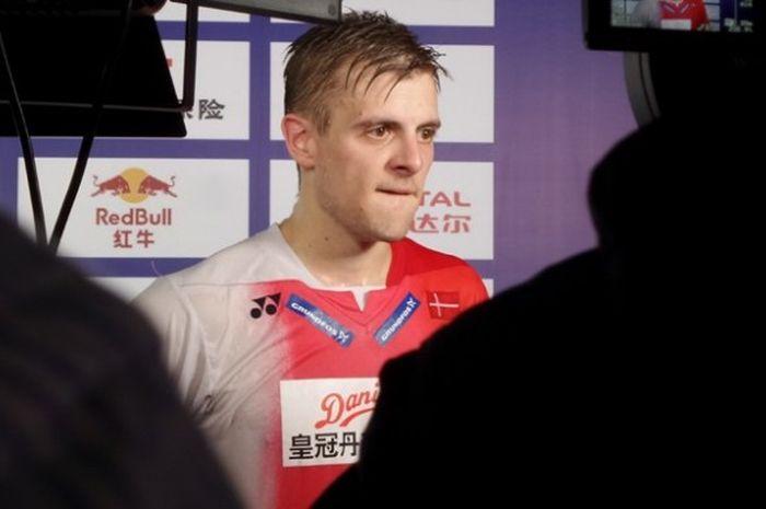 Tunggal putra Denmark, Hans-Kristian Vittinghus, usai menang 21-18, 21-18 atas pemain Malaysia Zainu