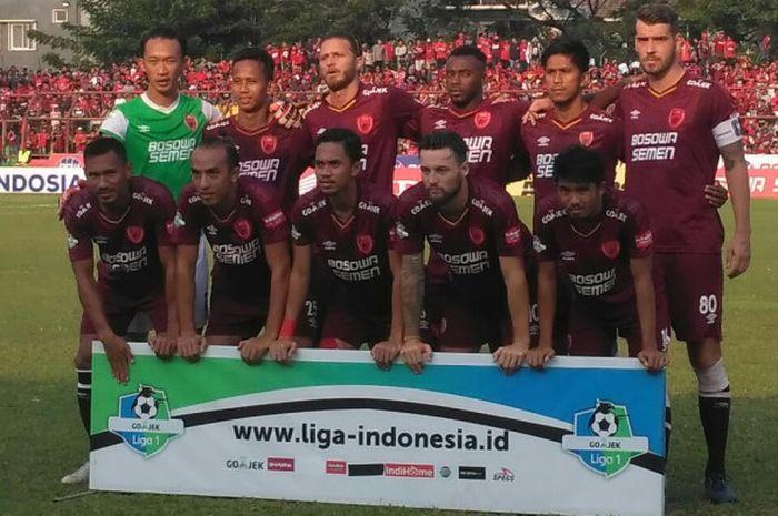 Pemain PSM Makassar jelang laga kontra Arema FC pada lanjutan Liga 1 2018 di Stadion Andi Mattalatta, Kota Makassar, 14 Oktober 2018.