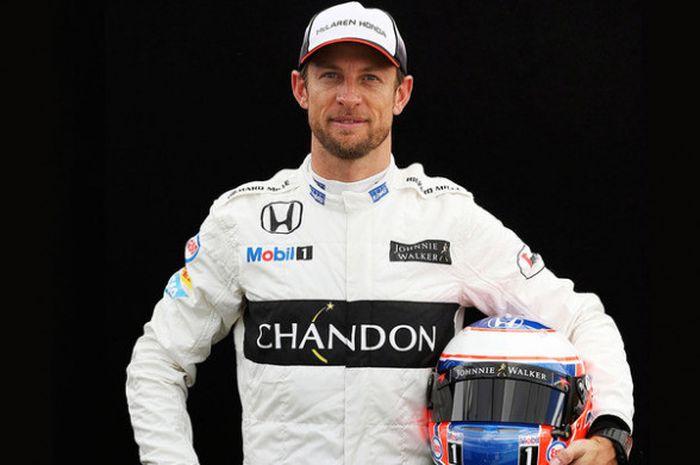 Jenson Button, Juara Formula 1 2009, kini menjadi perancang perhiasan.