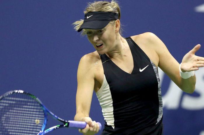 Maria Sharapova ketika bertanding pada fase 16 besar US Open 2018 yang digelar Senin (3/9/2018) wakt