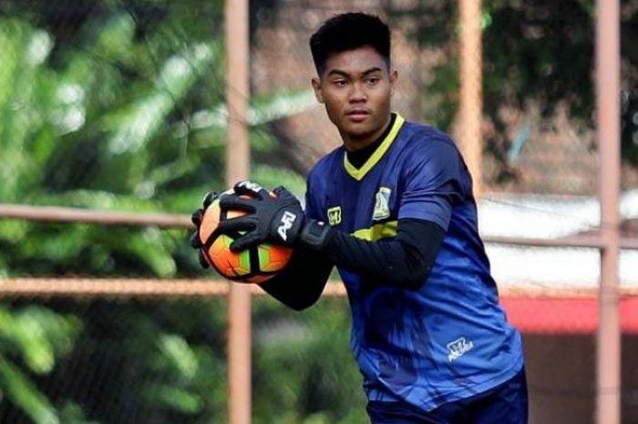 Kurniawan Kartika Ajie, salah satu jebolan U-19 Persiba Balikpapan yang sekarang menjadi kiper andalan tim nasional Indonesia U-22 di SEA Games 2017.