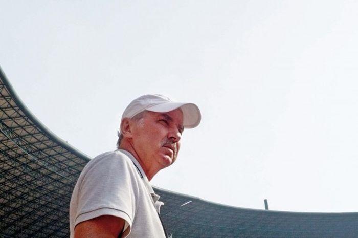 Mantan pelatih tim nasional Indonesia, Alfred Riedl.