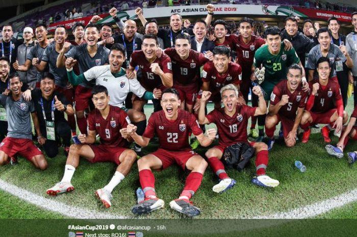 Timnas Thailand merayakan kelolosan ke babak 16 besar Piala Asia 2019.