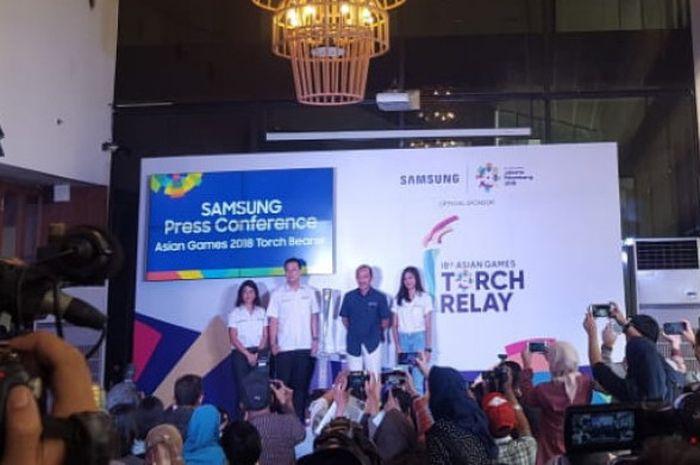 Panitia Pelaksana Asian Games 2018 (Inasgoc) dan Samsung Electronics Indonesia (SEIN) mengumumkan duta Samsung yang bakal ikut membawa obor Asian Games 2018.