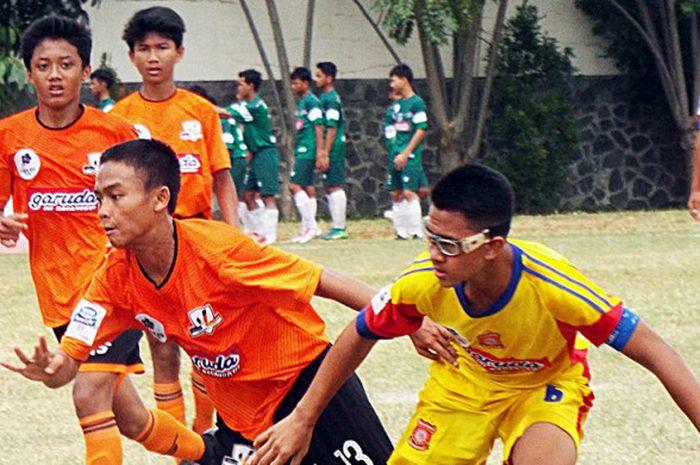 Pertandingan Liga Kompas Kacang Garuda U-14.