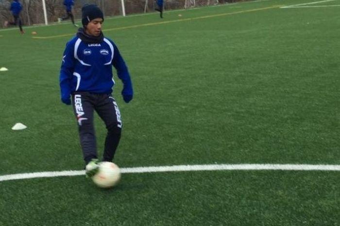 Mochammad Rafid Habibie merupakan salah satu dari 12 pemain  luar negeri yang dipanggil untuk mengik