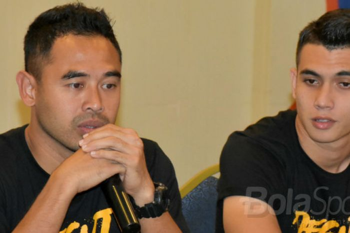 Pelatih Borneo FC, Ponaryo Astaman (kiri), dalam jumpa pers Piala Presiden 2018.