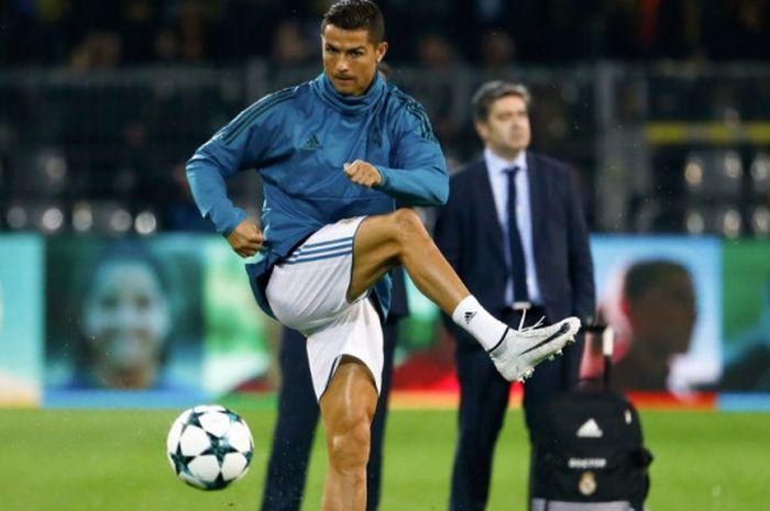 finest selection 4da92 6c77a Ini Dia Sepatu Sepak Bola Terbaru Cristiano Ronaldo, Nike ...