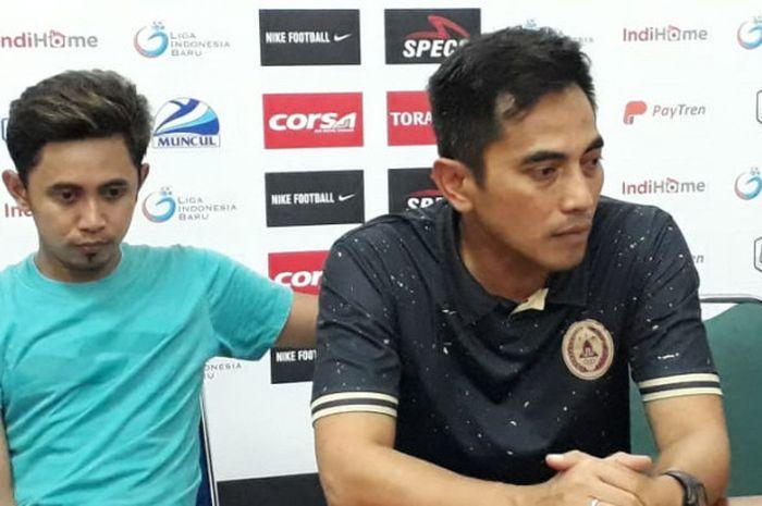 Pelatih PSS Sleman, Seto Nurdiantoro, pada sesi jumpa pers seusai melawan Persita Tangerang pada la