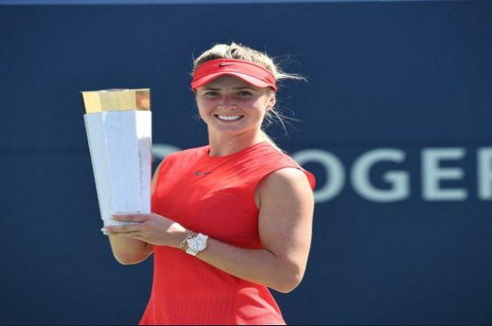 Elina Svitolina berhasil menjuarai Rogers Cup 2017 setelah mengalahkan Caroline Wozniacki di partai final yang diselenggarakan pada Minggu (13/8/2017).