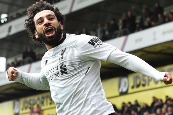 Ekspresi Mohamed Salah setelah mencetak gol Liverpool ke gawang Crystal Palace dalam partai Liga Inggris di Stadion Selhurst Park, London, 31 Maret 2018.