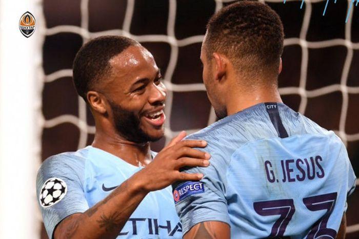 Striker Manchester City, Gabriel Jesus, merayakan golnya dalam laga Liga Champions kontra Shakhtar Donetsk, Rabu (7/11/2018) waktu setempat atau Kamis dini hari WIB di Stadion Etihad, Manchester.