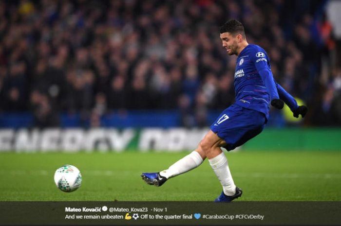 Gelandang Chelsea, Mateo Kovacic, beraksi dalam laga Piala Liga Inggris melawan Derby County di Stadion Stamford Bridge, pada 31 Oktober 2018