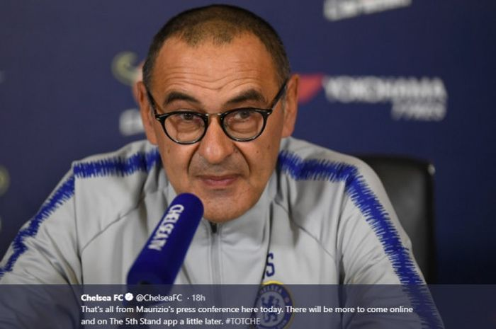 Pelatih Chelsea Maurizio Sarri, dalam sesi wawancara jelang laga pekan ke-13 Liga Inggris kontra Tottenham Hotspur pada Sabtu (24/11/2018) di Stadion Wembley.