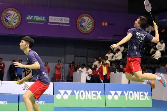 Ganda putra China, Han Chengkai/Zhou Haodong, berhasil menjadi salah satu penyumbang poin bagi China kala melawan Malaysia pada Kejuaraan Beregu Cmapuran Asia 2019.