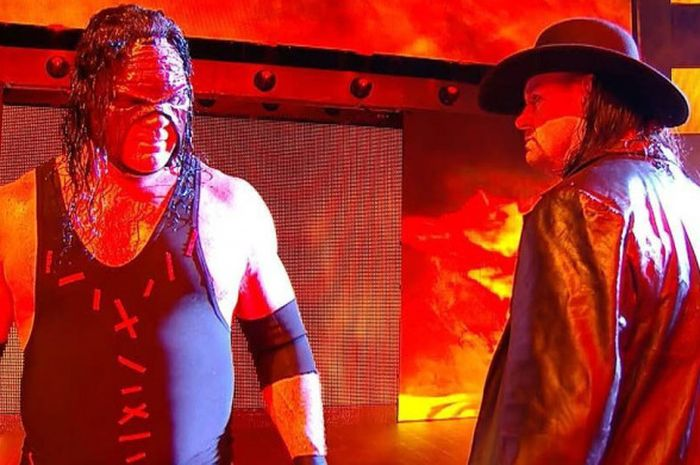 The Brothers of Destruction, Kane (kiri) dan The Undertaker (kanan).