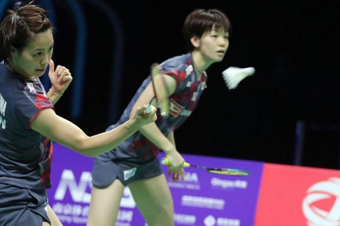 Ganda putri Jepang, Yuki Fukushima (depan)/Sayaka Hirota, di final Kejuaraan Dunia 2018 pada Minggu (5/8/2018) di Nanjing, China.