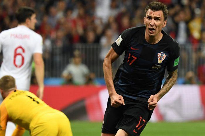 Striker Kroasia, Mario Mandzukic, mencetak gol penentu kemenangan 2-1 atas Inggris di semifinal Piala Dunia 2018 di Luzhniki Stadium, Moskow, 11 Juni 2018.