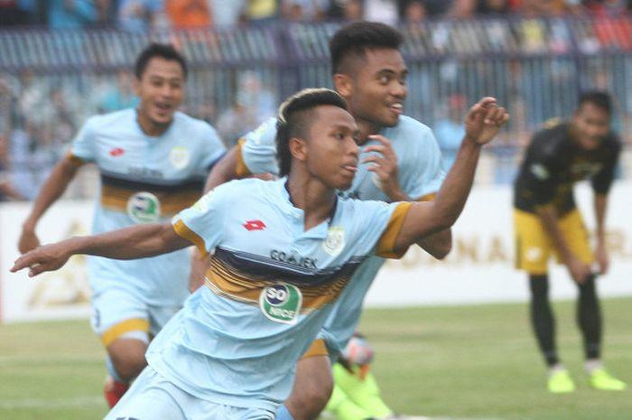 Gol penyerang Persela, Fahmi Al Ayubi penentu kemenangan timnya kontra Barito Putra, Jumat (28/7/201