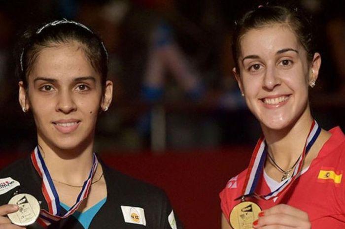 Saina Nehwal (kiri) dan Carolina Marin (kanan) pada ajang Kejuaraan Dunia Bulu Tangkis 2015. Marin berhasil kalahkan Saina di pertandingan puncak.