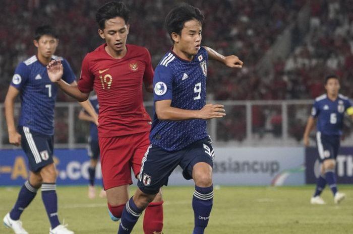 Penyerang Timnas U-19 Jepang, Takefusa Kubo, beraksi pada laga perempat final Piala Asia U-19 2018 kontra Timnas U-19 Indonesia di Stadion Gelora Bung Karno, Jakarta, Minggu (28/10/2018).
