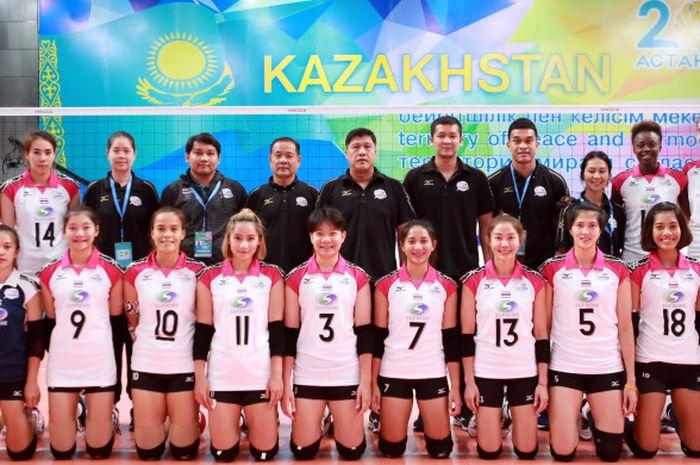 Tim voli putri Thailand, Supreme, yang bertanding pada ajang Asian Women's Club Volleyball Championship 2018 di Oskemen, Kazakstan.