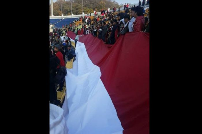 55+ Gambar Tangan Genggam Bendera Merah Putih Paling Bagus