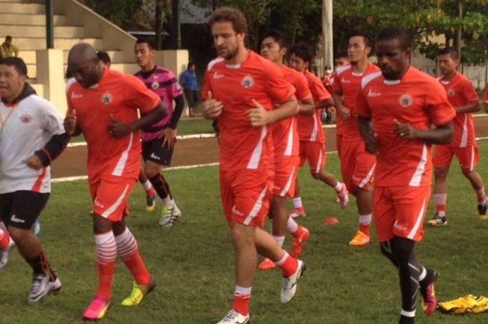 Skuat Persija Jakarta menggelar sesi latihan jelang pertandingan Kejuaraan Sepak Bola Torabika (TSC)