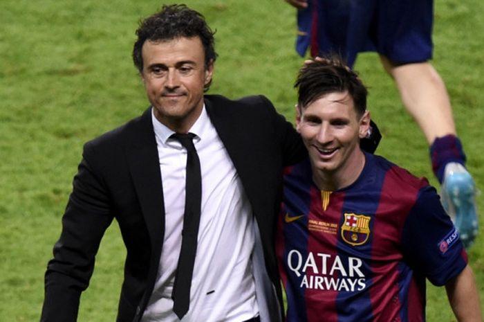 Pelatih FC Barcelona, Luis Enrique (kiri), merayakan keberhasilan timnya bersama Lionel Messi seusai