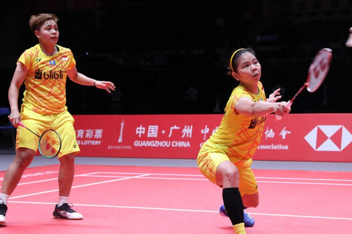 Pasangan ganda putri Indonesia, Greysia Polii/Apriyani Rahayu, tampil pada laga perdana Grup A BWF World Tour Finals 2018, di Guangzhou, China, Rabu (12/12/2018).