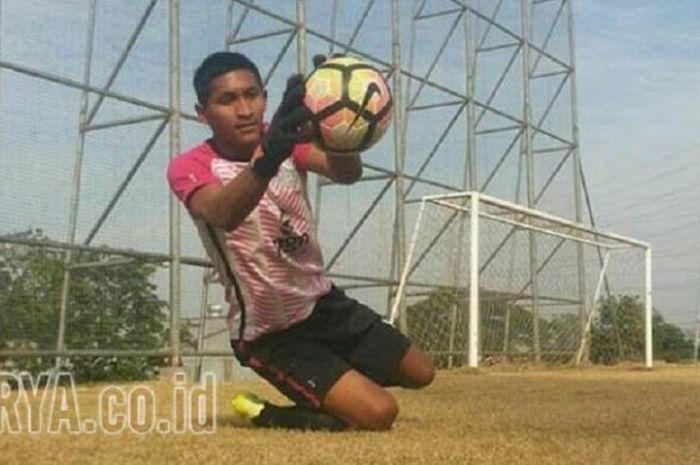 M Choirun Nasirin kiper Persegres Gresik United
