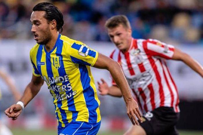 Aksi Ezra Walian bersama RKC Waalwijk saat menjamu Sparta Rotterdam pada pekan ketiga kasta kedua Liga Belanda atau Eerste Divisie 2018-2019 di Stadion Mandemakers, Jumat (31/8/2018) waktu setempat.