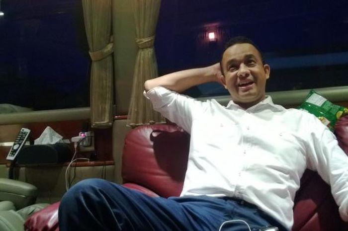 Gubernur DKI Jakarta, Anies Baswedan, saat diwawancarai pada 21 Desember 2013.