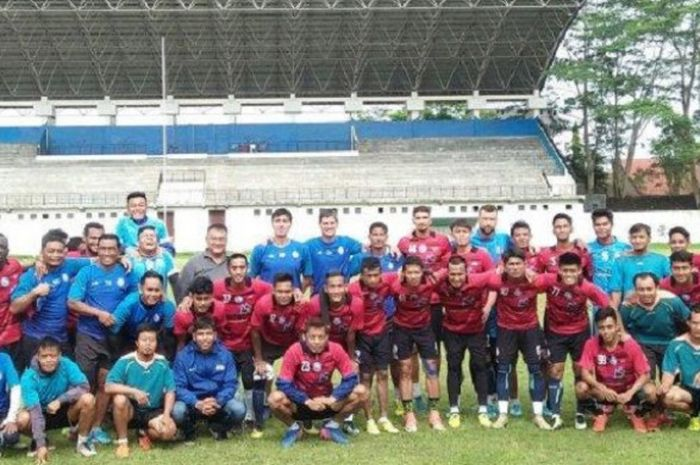 Arema FC melakukan sesi foto di Stadion Cakrawala, Malang, Sabtu (8/12/2018).