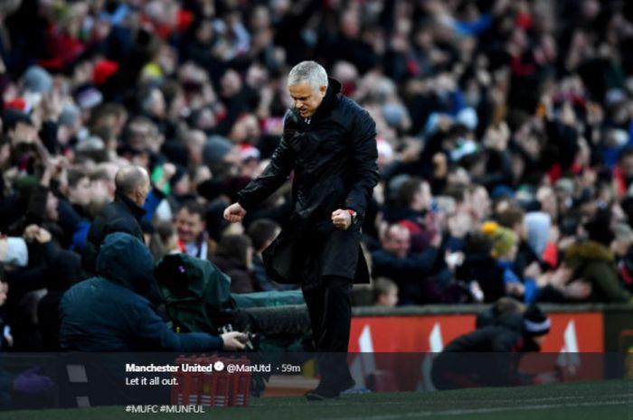 Ekspresi Jose Mourinho dalam laga Manchester United Vs Fulham  pada lanjutan Liga Inggris pekan ke-16 di Stadion Old Trafford, Sabtu (8/12/2018).