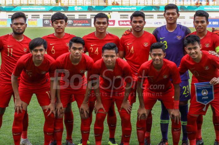 Para pemain timnas U-19 Indonesia berpose jelang laga uji coba kontra Arab Saudi di Stadion Wibawa Mukti, Cikarang, pada Rabu (10/10/2018).