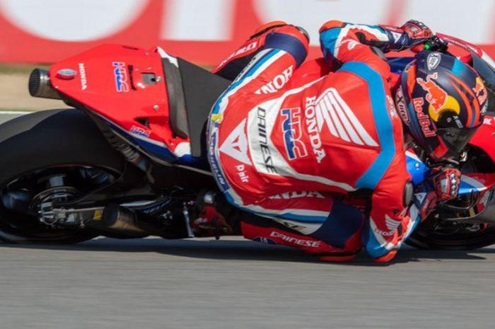 Pebalap penguji Honda, Stefan Bradl, turun sebagai pebalap wildcard pada seri balap MotoGP Republik Ceska di Sirkuit Brno, Jumat (3/8/2018).