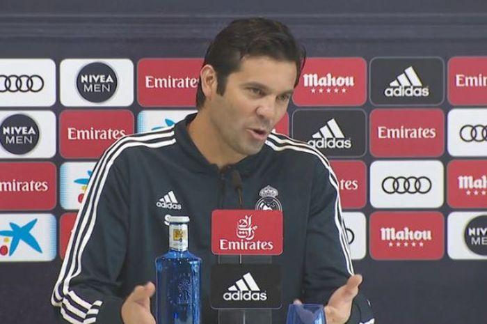 Pelatih Real Madrid, Santiago Solari, berbicara kepada media dalam acara jumpa pers.