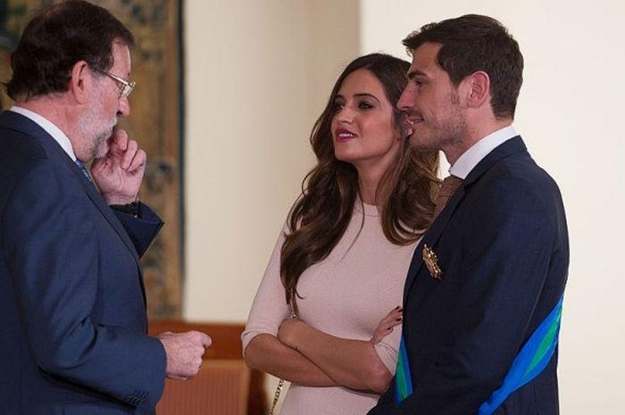 Iker Casillas dan Sara Carbonero saat bertemu Perdana Menteri Spanyol, Mariano Rajoy, 10 November 20