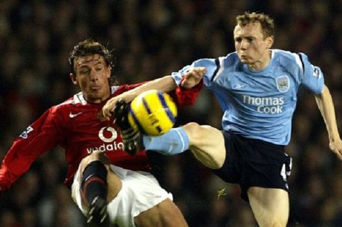 Eks pemain Manchester City, William Robert Flood