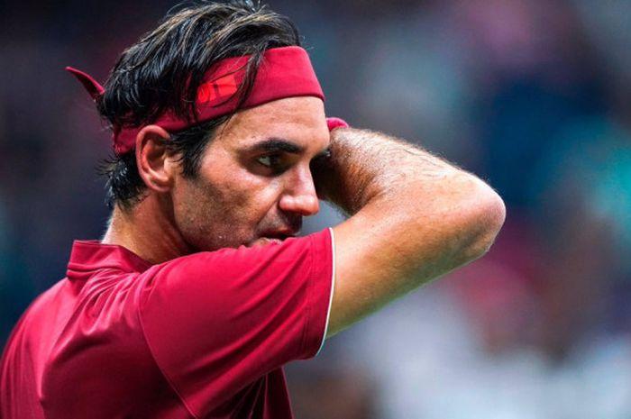 Roger Federer saat bertanding pada babak 16 besar US Open 2018 kontra John Millman di Arthur Ashe Stadium, Amerika Serikat pada Senin (3/9/2018) waktu setempat.