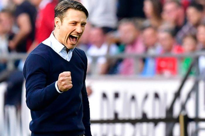 Ekspresi Niko Kovac dalam partai Liga Jerman antara Eintracht Frankfurt lawan Hannover, 14 Oktober 2