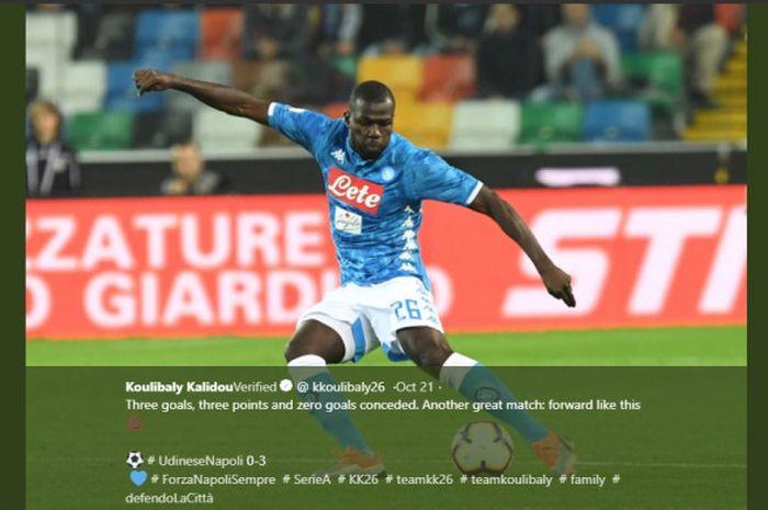 Bek Napoli, Kalidou Koulibaly, beraksi dalam laga Liga Italia pekan kesembilan melawan Udinese, pada 20 Oktober 2018 di Dacia Arena, Udine.