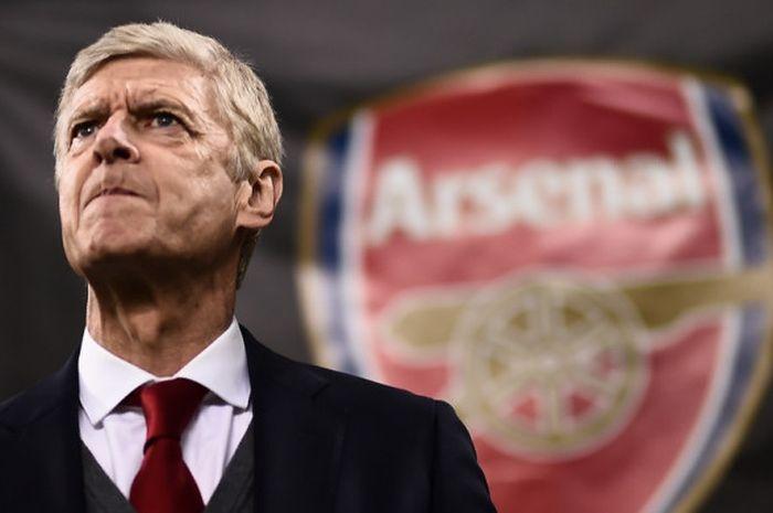 Ekspresi Manajer Arsenal, Arsene Wenger, dalam laga leg pertama babak 16 besar Liga Europa kontra AC Milan di Stadion San Siro, Milan, Italia, pada 8 Maret 2018.