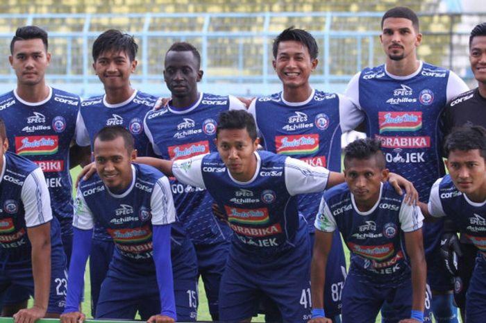 Tim inti Arema FC diturunkan melawan Barito Putera dalam lanjutan Liga 1 di Stadion Kanjuruhan Kepanjen, Kabupaten Malang, Sabtu (24/11/2018).