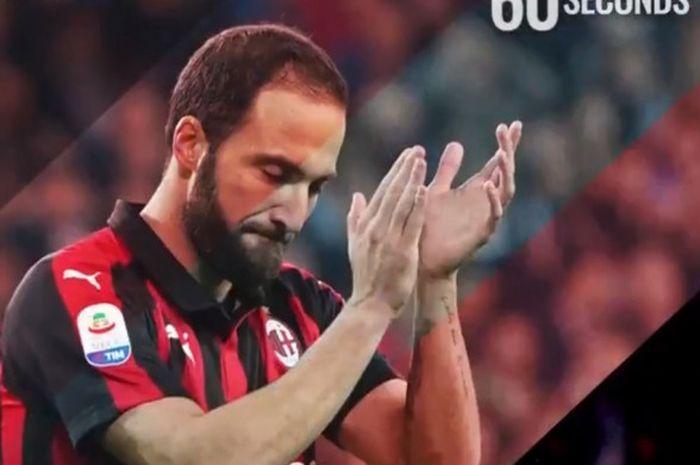 Penyerang AC Milan, Gonzalo Higuain.