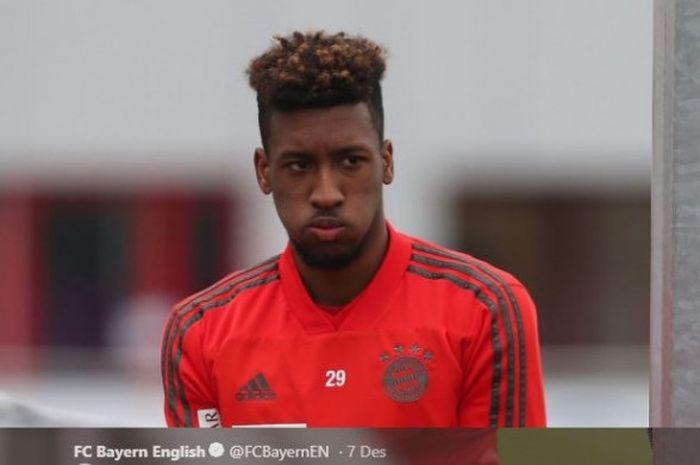 Winger Bayern Muenchen, Kingsley Coman, mengikuti sesi latihan tim pada awal Desember 2018 usai abse
