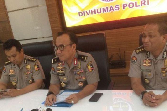 Kepala Biro Penerangan Masyarakat Divisi Humas Polri Brigjen Pol Dedi Prasetyo saat konferensi pers di Gedung Humas Mabes Polri, Jakarta Selatan pada Selasa (8/1/2019).